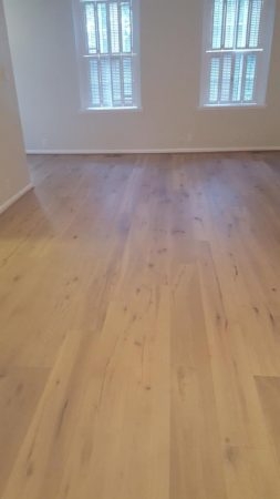 "7.5"" Santee Engineered Oak Wirebrushed 19"