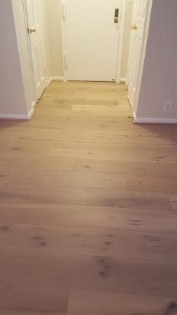 "7.5"" Santee Engineered Oak Wirebrushed 18"