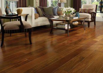 Hardwood-Floor-in-a-Traditional-Living-Room-1-1024x640