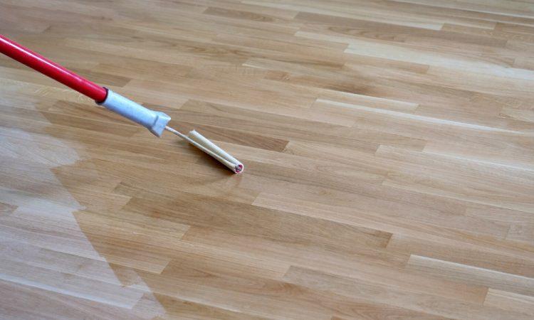 staining the hardwood floor