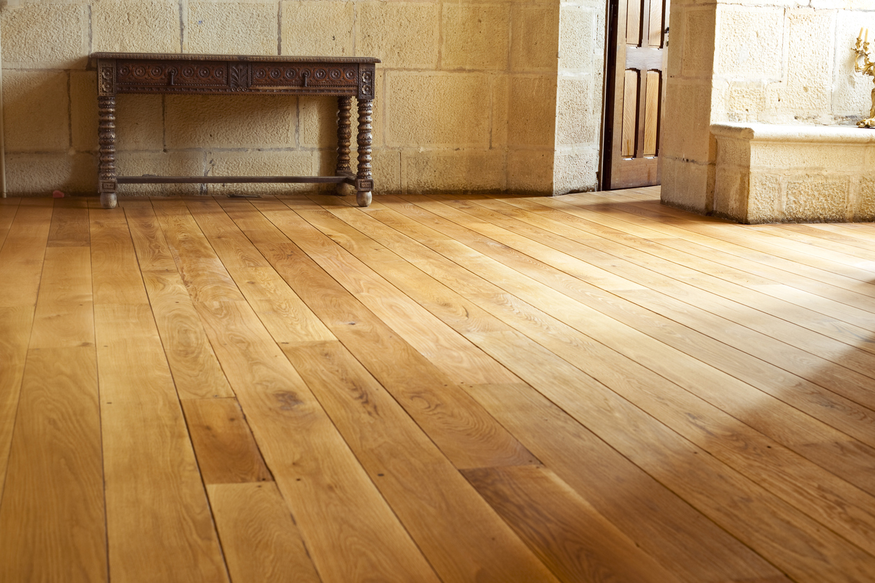 Wide Plank Hardwood Flooring vs Narrow? Which is Best for You?